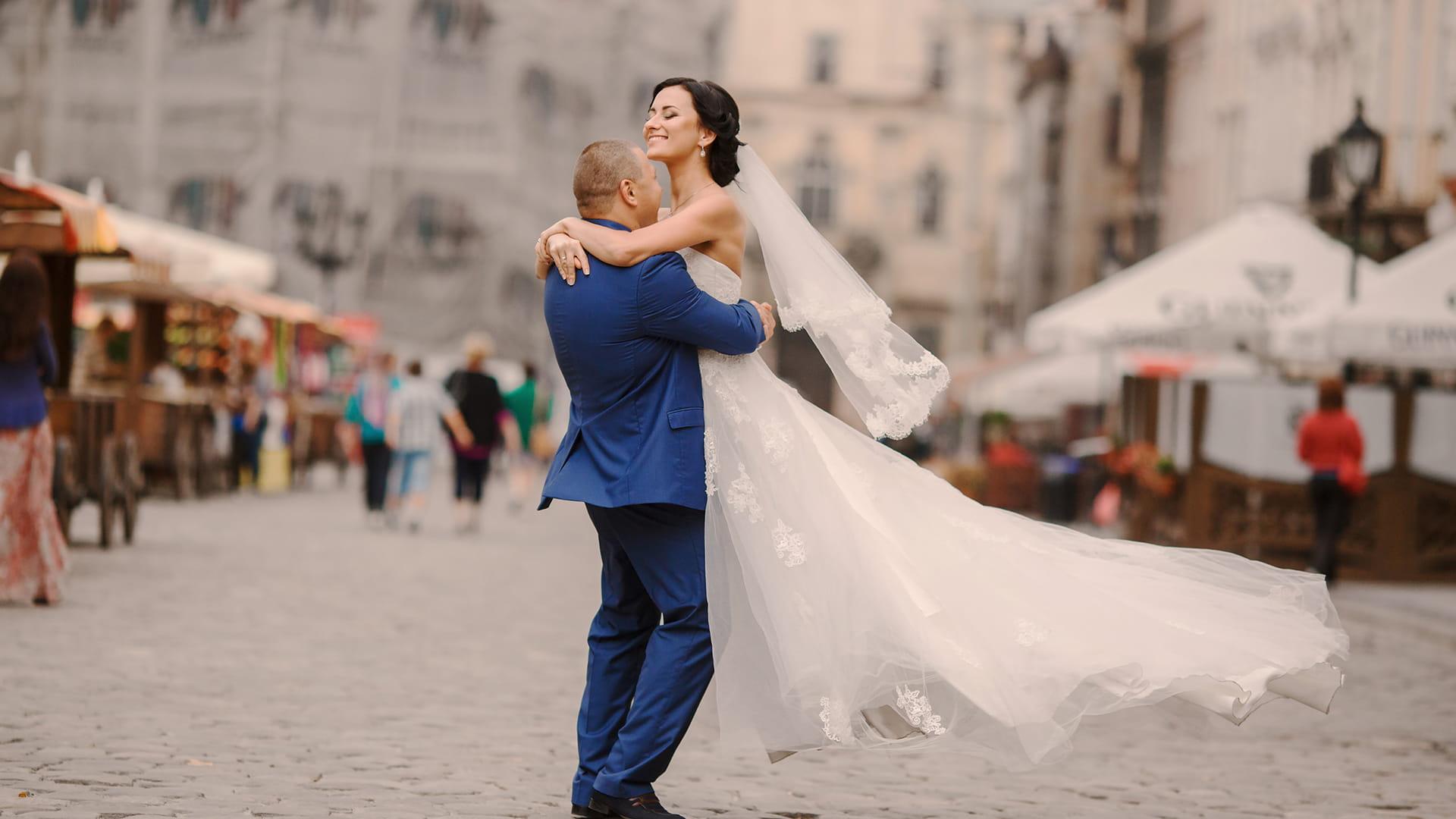 Melisa & Ingrid : Wonderful Fall Wedding at The Warehouse